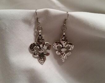 Fleur de lis earrings, silver earrings, jewelry
