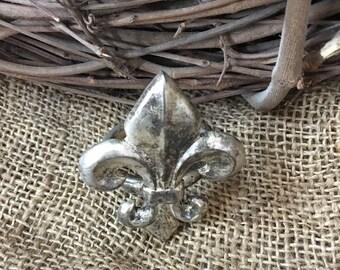 Silver plate Fleur de Lis Napkin Rings