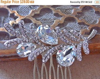 ON SALE Rhinestone Floral Hair Comb in Silver.  Bridal, Bridesmaids, Wedding.