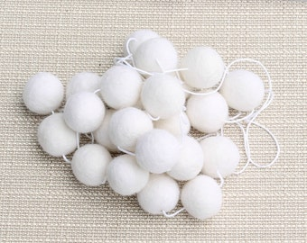 White Monochrome Felt Ball Garland, Pom Pom Garland, Nursery Decor, Bunting Banner, Party Decor, Holiday