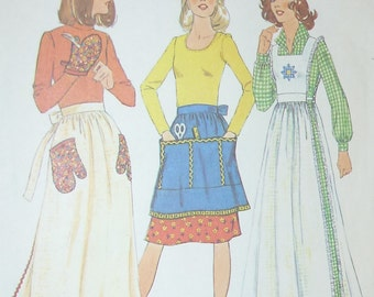 Vintage Simplicity Pattern 7246 for Misses' Apron in Two Lengths,Pinafore and Mitt  Size 12-14