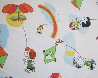 RARE 1980s Vintage Sheet - Peanuts Charlie Brown & Snoopy Fly a Kite - Full or Double Fitted Childrens Sheet