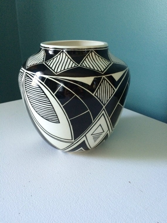 Symmetrical Geometric Pot