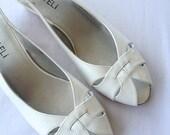 ON SALE vintage. SANDAL. cork heel. White. peep toe. Size 7 1/2. 1980s.