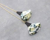 Fabric and leather necklace in black and yellow pattern with long thin chain gilded 24K for women