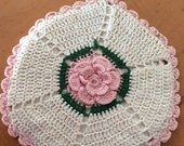 Cream and Pink Vintage Hotpad with Heatroof Center, Vintage Crochet Hot Pad, Pink Potholder with a Pink Flower, Retro Kitchen Decor