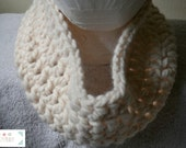 White Chunky Crochet Cowl, White Chunky Crochet Scarf, Chunky Crochet, White, Accessory, Cool Weather, White Cowl, White Scarf, Unisex