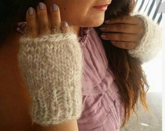 Hand knitted beige gloves, so soft and warm