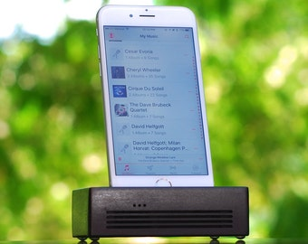 iPhone 6/7 Docking Station - The CONCERT  Speaker Dock in BLACK – Use With or Without a Cover - Boosts the Sound