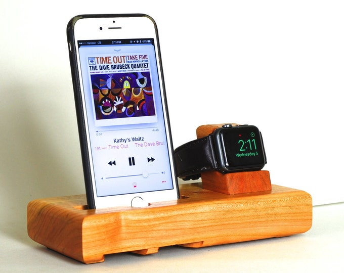 The EICHLER Tandem in Cherry – Fits all iPhone Models and Watches - Leave your Case on - Boosts the Sound