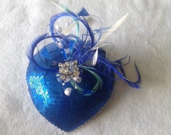 Blue Fascinator hat with white and blue feathers, Bridal Blue Mini Hat, Blue Teardrop Fascinator, Wedding Fascinator, Mother of the Bride