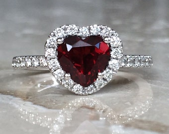 Stunning and Exquisite 14k Diamond Halo and Heart Shaped Garnet Ring Size 7 Weighing 4.3 grams
