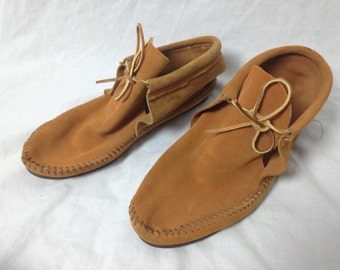 leathern mid top moccasins size 9