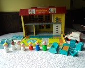 Vintage Fisher Price #931 Play Family Hospital Nurse Doctor Little People Accessories Near Complete Set Collectible Toy