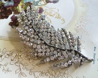 Romantic feather shaped rhinestone crystals brooch pin jewlery accessory, wedding brooch, rhibestones brooch, crystals brooch, bridal brooch