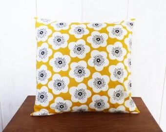 Housse de coussin 40 x 40 tissu à GRANDES FLEURS VINTAGE jaune style scandinave