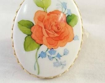 Vintage Hallmark floral cameo brooch