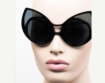LOVE U SALE Black Mega Fab Round cat-eye Frame Sun Glasses