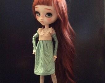 Soft dress for Pullip or Blythe