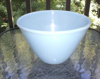 Vintage 50s Fire King Blue Delphite Turquoise Glass Splash Proof Mixing Bowl