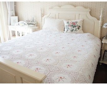 Country Rustic White Cotton Hand Crochet Combine Embroidery Bed Coverlet, Bed Thread, Bed Throws, Bed Cover, King Size BC006