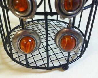 Vintage 1970s Clip On earrings
