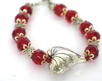 Heart Bracelet, Valentine Heart Bracelet, Red Heart Bracelet, Red Beaded Bracelet, Mother's Day, Gift Bracelet