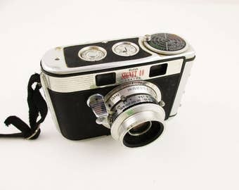 A Kodak 'Signet 40' Rangefinder Camera With Leather Case - Kodak Ektanon Lens - Focus Ring - 1950s