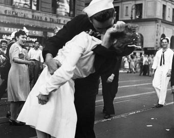New York Times Square, Famous, war over,  dip kiss in the street, sailor, Black and white, Greta Friedman, vintage, photography, picture