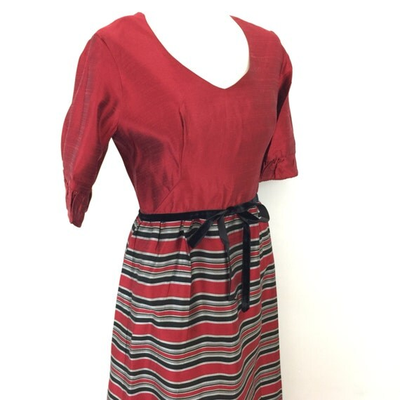 Maxi dress red black silver taffeta stripey long skirt 1960s 1970s evening dress Mod style Christmas UK 10 Kati