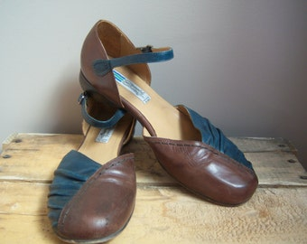 Arnold Churgin Italian Leather Two tone Shoes. Brown and Green shoes. Size 40.