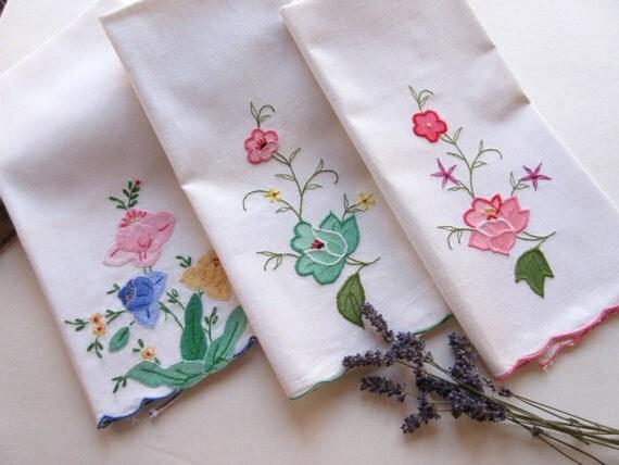 Vintage Tea Towels Bathroom Decor Linen Guest Towels
