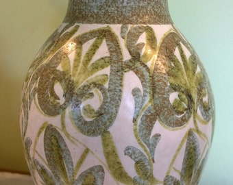 Large Glyn Colledge Bourne Denby green vase