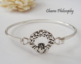 Claddagh Bangle Bracelet - 925 Sterling Silver Bracelet - Symbolic Irish Jewelry - Love, Loyalty and Frienship