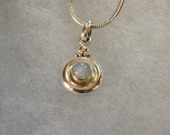 Moonstone Gemstone Pendant Necklace in Sterling Silver Design