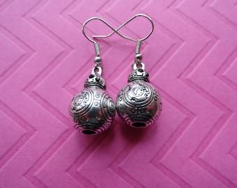 BB 8 star wars metal drop earrings