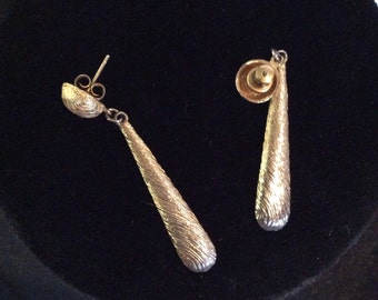 Rain drop earrings 2 in