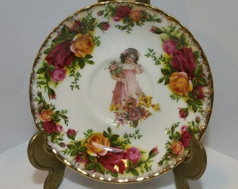 Vintage Decorative Wall Plate made from bone china in a choice of 5 styles. Valentines gift