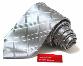 Silk Tie in Checks of Sterling Platinum Silver and White