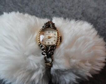 Swiss Made Greygor 17 Jewels Vintage Ladies Wind Up Watch