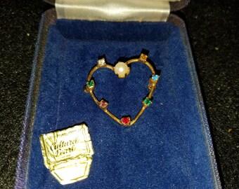 Vintage Culturel Pearl Pin