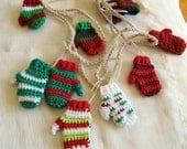 Reserved for BEV Funky Christmas mitten garland (10 ft) / Hand made garland / Green Red White mitt banner / Christmas Garland /