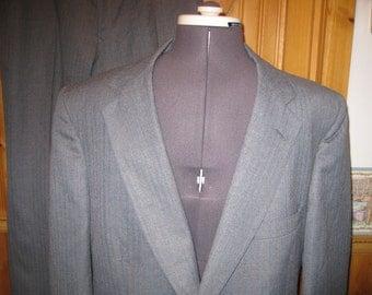 vtg Gray Pinstripe Robert Surrey peak label  2 piece suit 42 R pants 38 x 29 union md free ship 2 button
