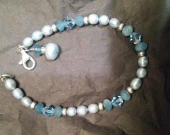 Blue pearl and gem bracelet