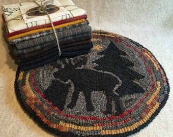 "Rug Hooking Kit for ""Moonlight Moose"" Chair Pad  14"" Round  K112"