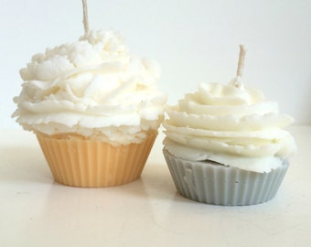 Annise Cupcake Candle scented with Essential Oils, Soy Wax, cotton wick (VEGAN)