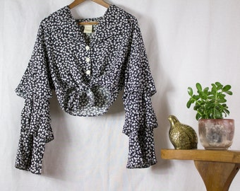 90s Floral Tie Front Crop Blouse with ruffled sleeves