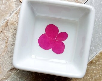Ring Dish with Pink Hydrangea, Modern Jewelry Storage, Flower Dish, Ring Bowl, Jewelry Keeper, Minimalist Ring Dish