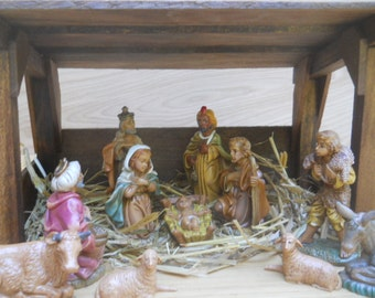 Nativity Set/Scene with Stable (a)
