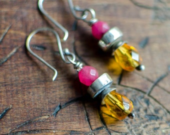 Silver solid earring, pink jade, yellow glass beads, bobo